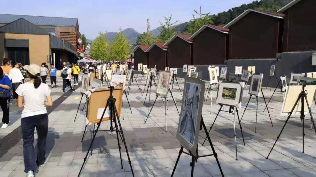 """艺术助力乡村发展——渤海镇举办""""绿水青山""""绘画展"""