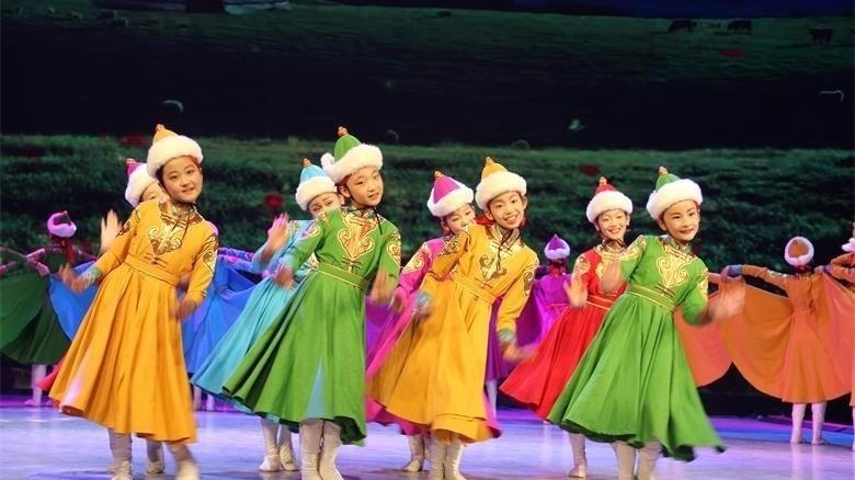 荣毅捷:舞出精彩人生