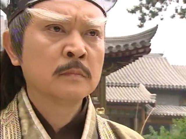 饰演玄冥二老之一的鹤笔翁的张春仲更在其后的两个版本中归隐少林