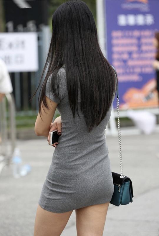 极品少妇被草_街拍:路遇身穿灰色包臀裙的绝美少妇, 极品丰满身材