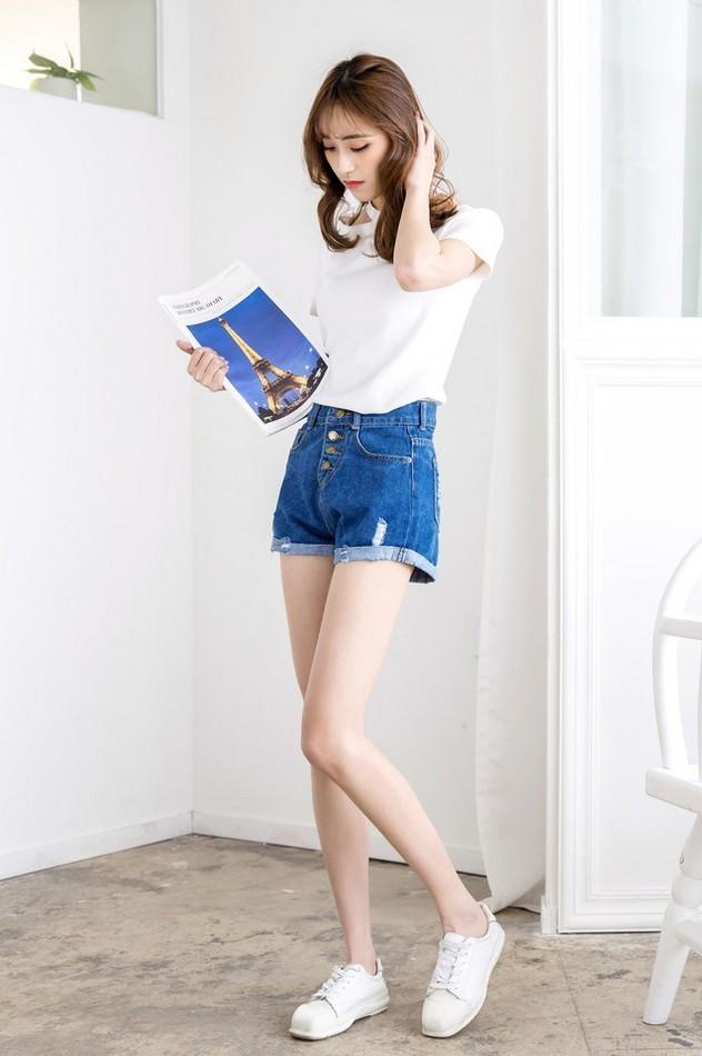 高挑牛仔短裤美女完美大长腿纤细修长