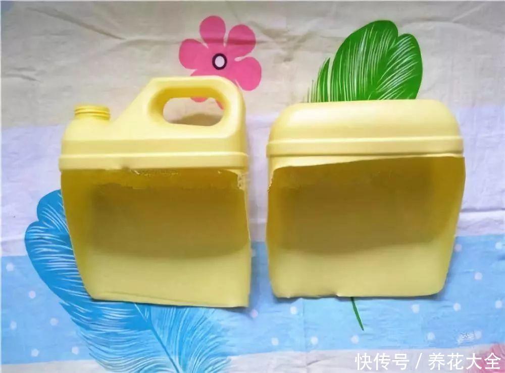 用完的洗洁精桶先别扔,找块布包一包,秒变超萌小花盆!图片