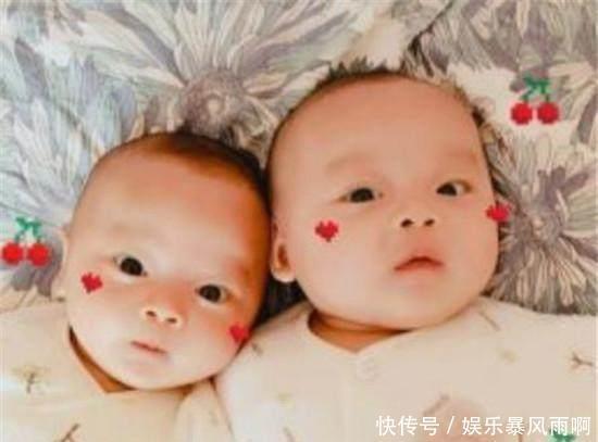 说句现在娱乐圈的模范夫妻大家应该都会想起张杰和谢娜吧,这一对新晋的小夫妻在没有结婚之前便非常的甜蜜,两个人之间的情感非常好,特别是在结婚以后有了自己的孩子。最近关于他们俩的双胞胎宝宝正面照被曝光了出来。  说起他们两个相识还得感谢我们的何老师,谢娜一直非常喜欢听杰哥本人唱歌。因为何老师的介绍两个人才认识,但就是这样俩个人一起相互扶持,相互帮助。逐渐的两个人相互喜欢上了对方,还是走到了一起。  在2018年的2月1日,他们终于是有了属于自己爱情的结晶,成功产下一对健康的双胞胎。这让两个人都体会到了父母不容易