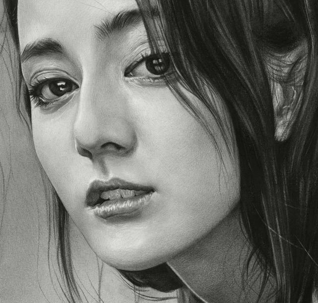 刘斌素描:为女神迪丽热巴画一幅素描画,美极了!