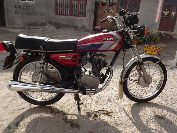本田cg125摩托车