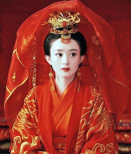 女星古装新娘妆,范爷凄美,唐嫣傻白,杨幂楚楚可怜,她最惊艳!