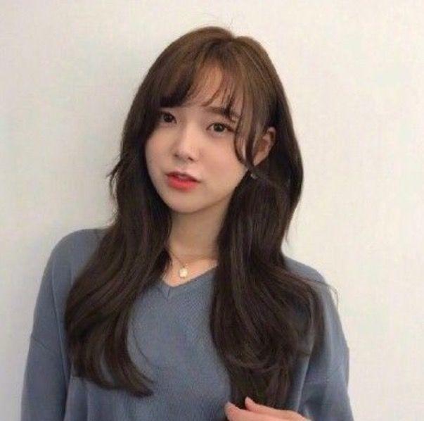 当下流行的烫发参考发型卷发,想换发型的妹子易烊千玺狗啃式刘海图片
