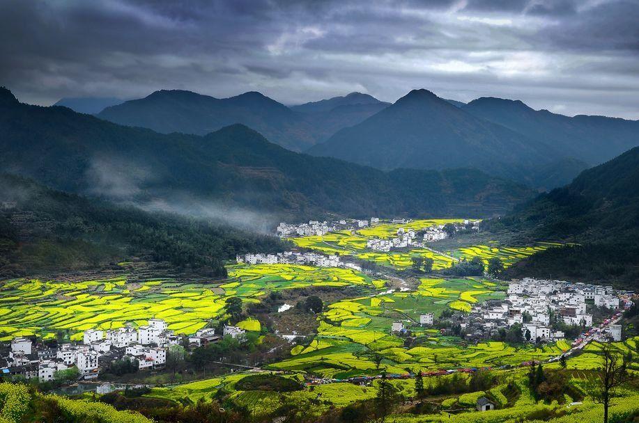 农村生活越来越惬意 -空气好,风景好- 农村树多车少污染少, 空气绝对
