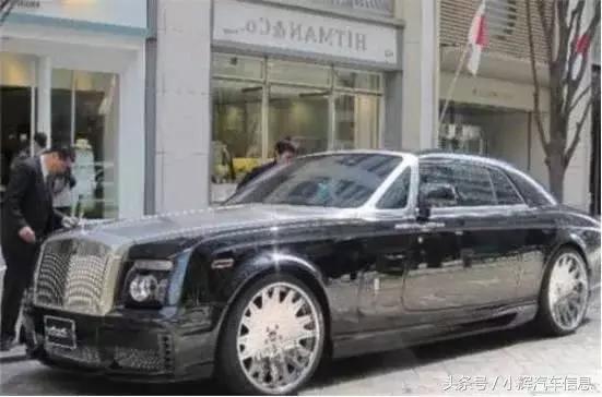 这辆豪车劳斯莱斯便是他的座驾,据悉,奢华车价值约7000000,霸气表面奢