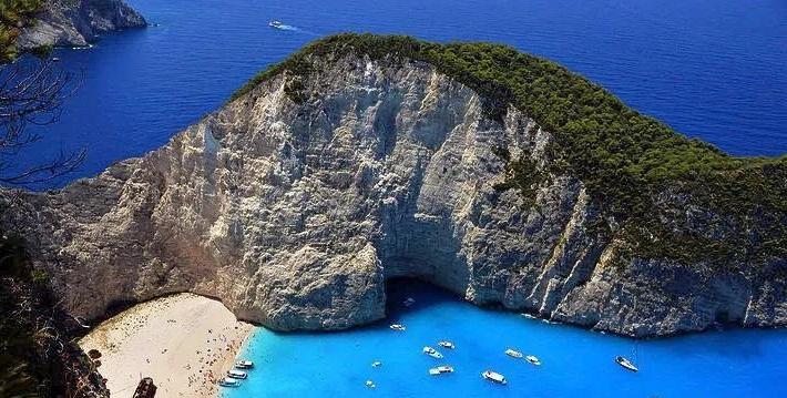 据介绍,新航线从科孚岛出发,依次连接帕克西岛,莱夫卡达岛,伊萨卡岛
