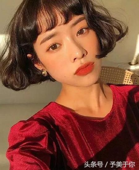 2018年流行短发烫发发型,短发发尾简单烫个卷时髦度飙升气质倍增.