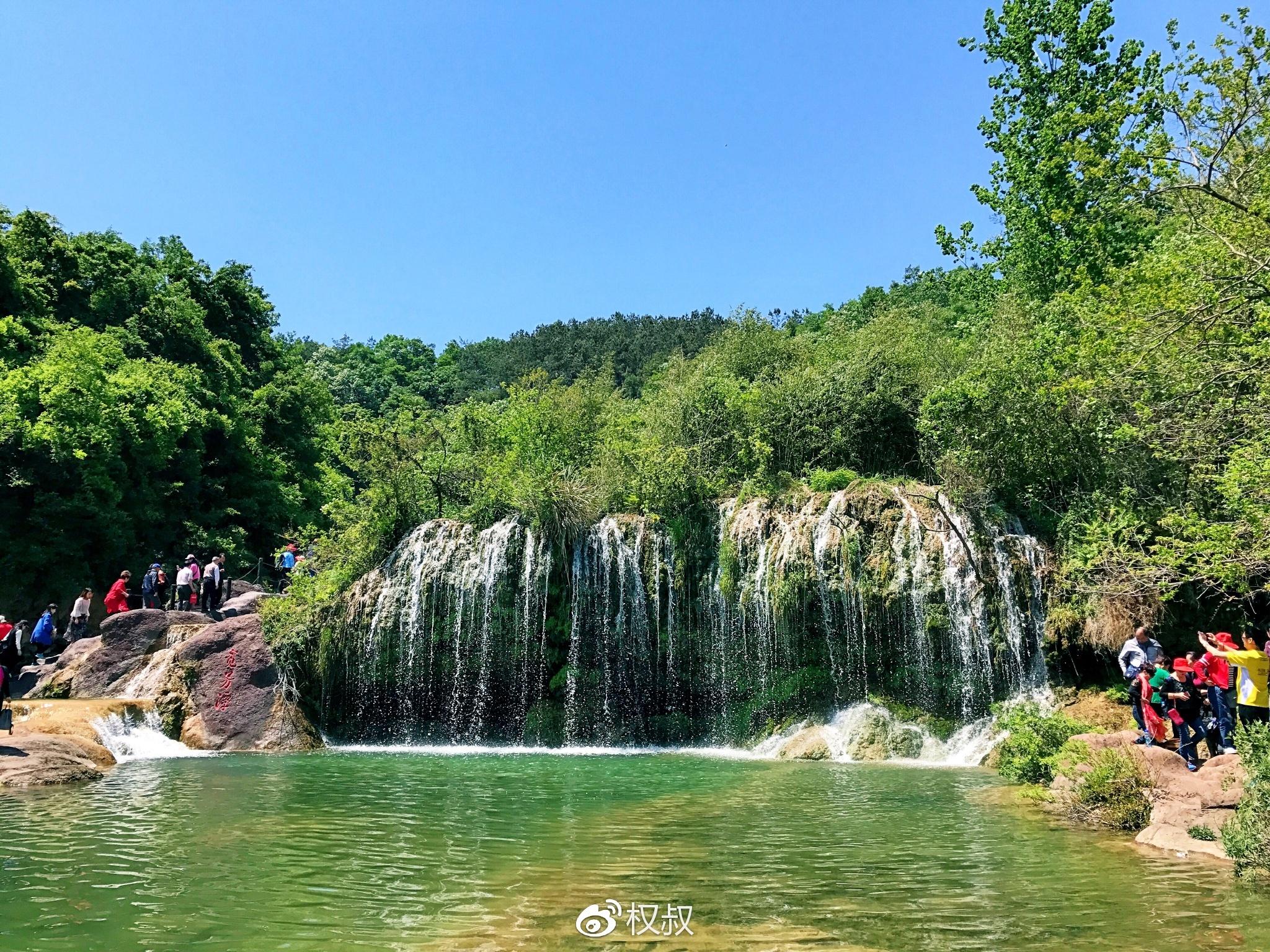 面积约23平方公里,全长2公里,沿途风景如画,四季花开,美女景观和美人