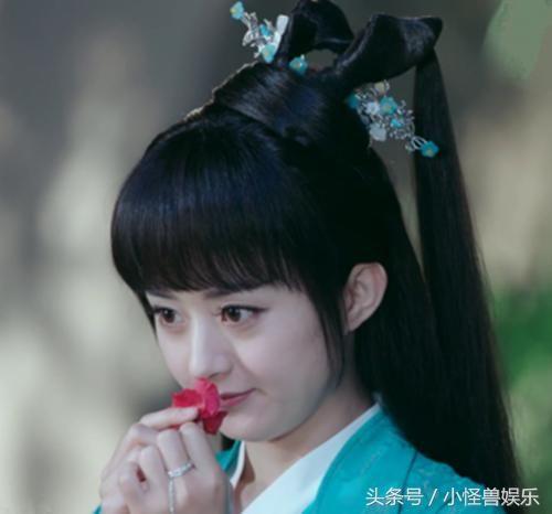 7位轻嗅花香的古装美人,赵薇,杨蓉惊艳,贾静雯美好优雅