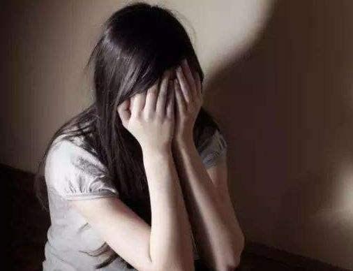 强暴幼女色情小�_65岁老头强奸13岁幼女的民事诉讼赔偿有何规定