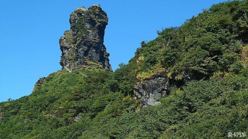 """梵净山得名于""""梵天净土"""",位于贵州省铜仁市的江口,印江,松桃交界处"""