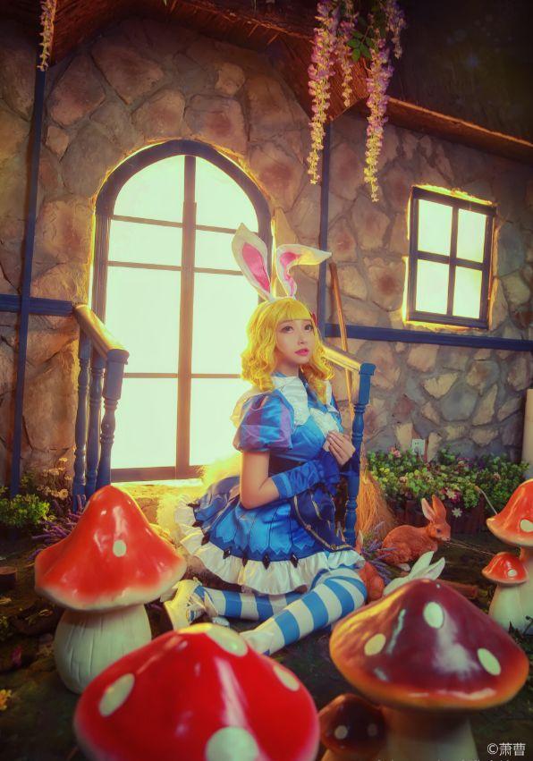 游戏cos丨王者荣耀妲己仙境爱丽丝返场 你给这个小狐狸打几分?