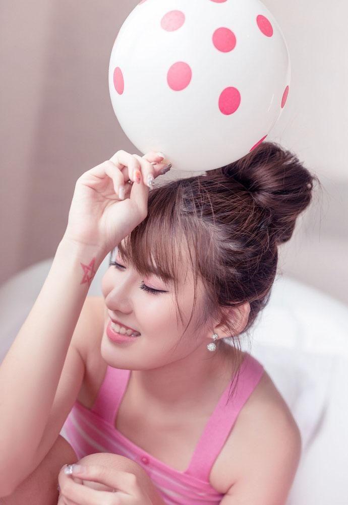 浴室系性感美女粉色v浴室写真图片cosplay丝袜性感图片