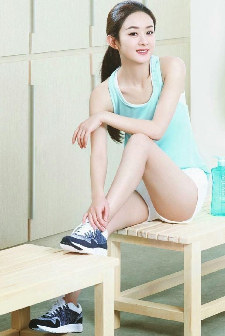 女星爱上运动装:赵丽颖小巧可爱,杨幂性感,还是热巴最