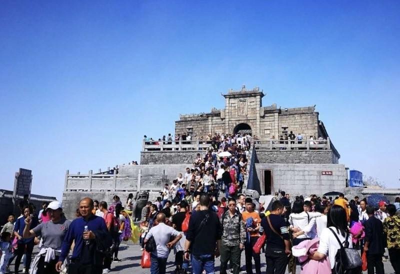 """南岳衡山景区""""超级黄金周""""迎客63.62万人次"""