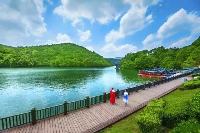 景区地址:武汉市黄陂木兰天池风景区
