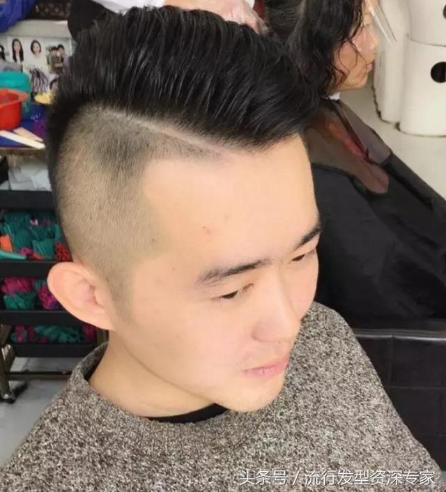 2018年霸气男发流行多一刀发型?男士短发趋势多一道发型成了个性图片