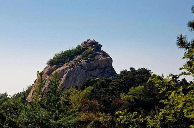 鸡公山风景保护区地处中原南部豫楚要冲,中国南北方的分水岭,北望