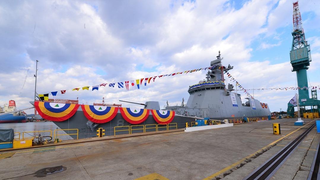 """韩国新型护卫舰隆重下水 取名""""首尔""""号"""