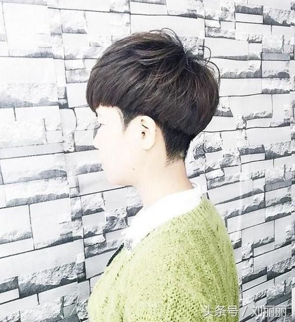 春节最修饰头型颜色20款,美到逆天短发服染什么红衣头发图片