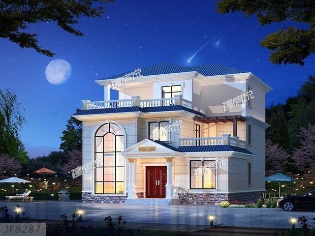 别墅蓝色坡屋顶搭配暖色的外墙,加上灯光的渲染,倍显温馨和华丽,大大图片