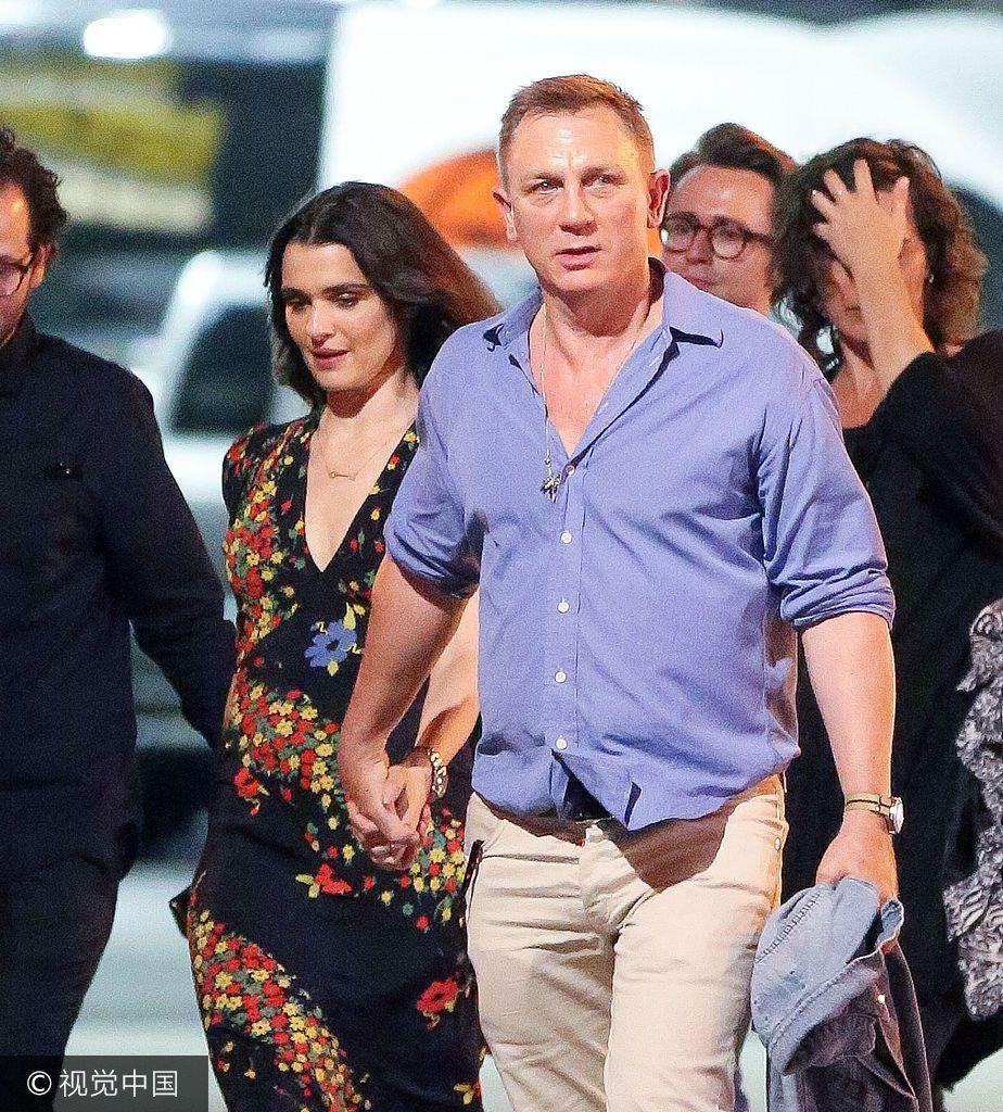 007克雷格娇妻表情鸡和的搞笑图片牛撒狗粮俩人v娇妻变牵手图片