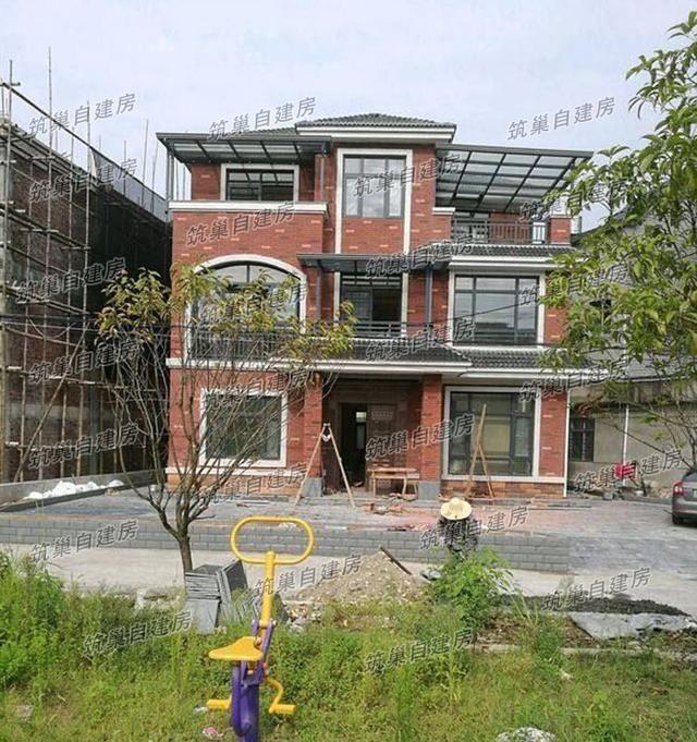 10x10三层农村别墅实景图,框架结构,7间卧室 多阳台,温馨舒适