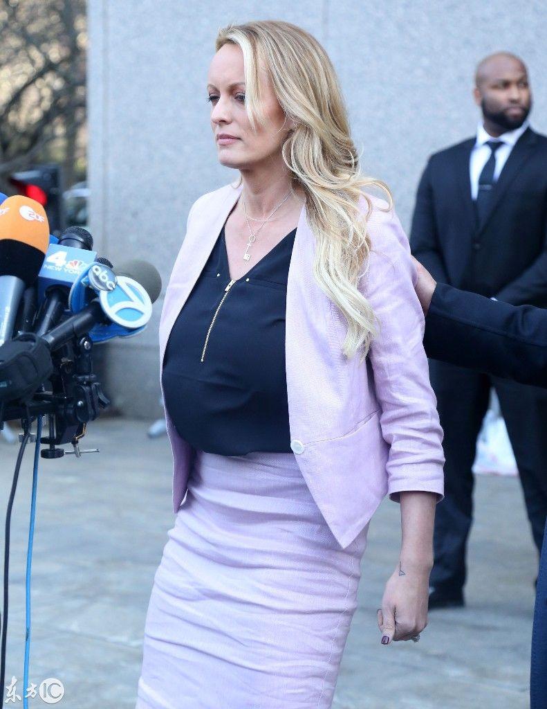 特朗普的性感女主角丹尼尔斯!美国绯闻艳星接可以吗病毒性柑橘吃v性感图片
