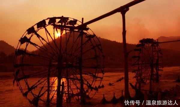 景点有漫湾百里长湖景区,临沧大雪山,耿马南汀河,沧源翁丁佤族原始