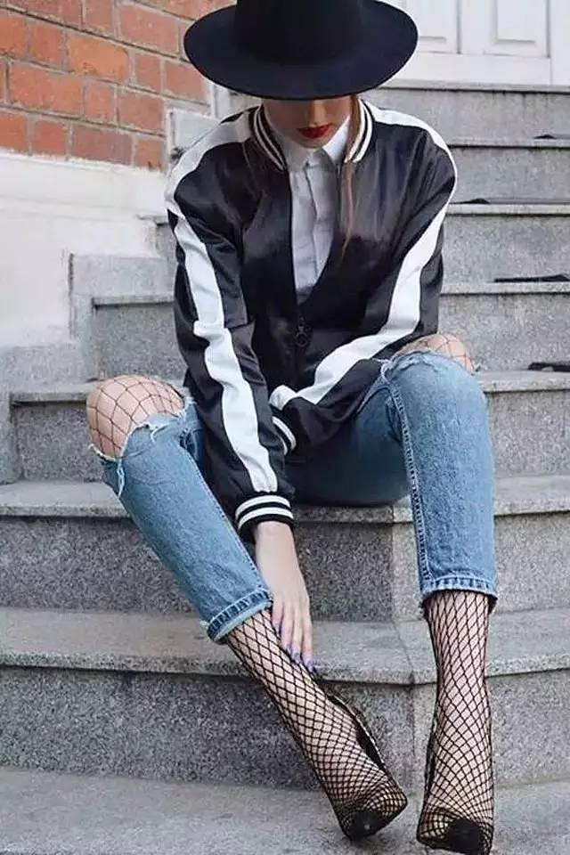 爆款女王杨幂迪丽热巴都穿的渔网袜你却觉得俗不可耐?