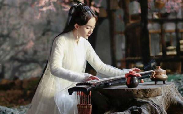 """十个古装美人抚琴,杨颖""""摆拍""""美得如诗如画,杨幂真的在享受!"""