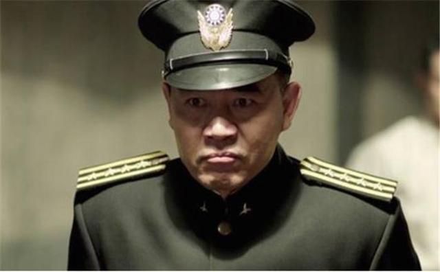 《北平无战事》中玩弄权术的徐铁英.