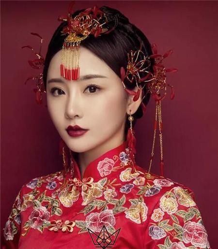 复古中式新娘发型 轻奢演绎东方韵味