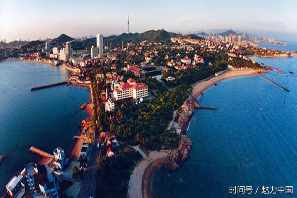 景点:崂山,栈桥,八大关,鲁迅公园,石老人以及周边的海岛.
