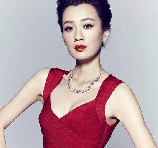 《奋斗》之后,徐翠翠相继拍摄了《生死桥》,《夜幕下的哈尔滨》