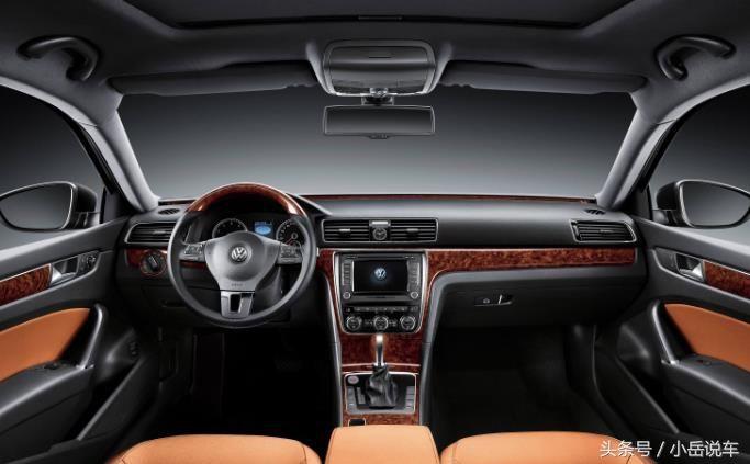 大众帕萨特豪华的汽车内饰,乘坐舒适性也是非常棒的.