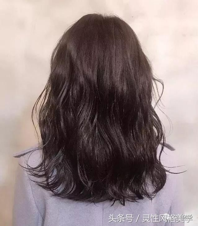 2018流行的减龄烫发发型20款!