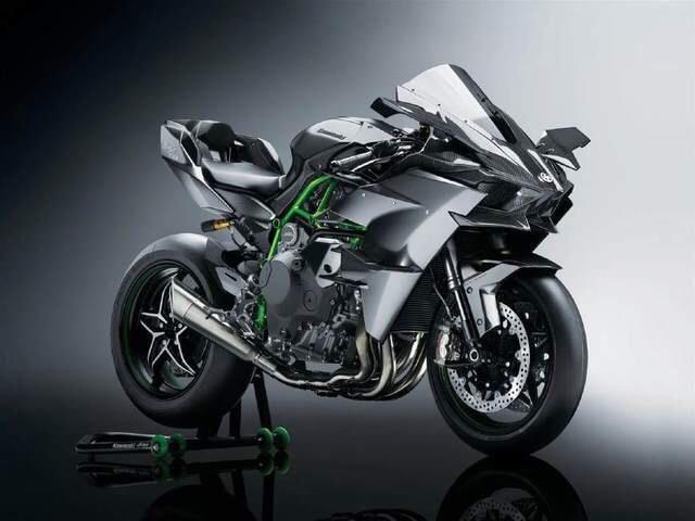 川崎忍者h2r可以与超级跑车比速度的重型摩托车