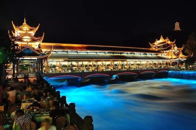灌县古城(幸福路 杨柳河 文庙) 第一站  南桥 南桥是都江堰的主要