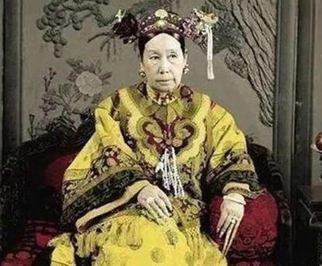 慈安太后年轻的照片_溥仪说出慈安太后的真正死因,慈禧的手段实在令人不齿