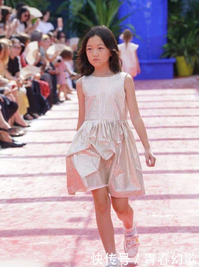 李嫣录制女生走路的节目被赞气质超像王菲,完模样图绑用麻绳图片