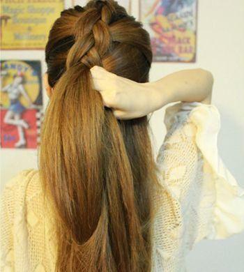 2款自己编的复古麻花辫发型图解,学会了想梳就梳!