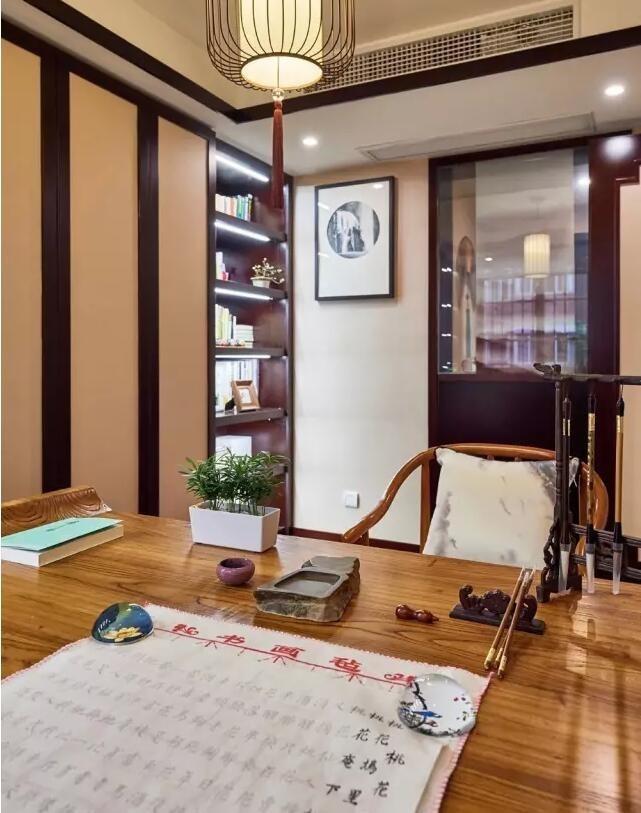 在车床书香的空间上充满,一个练字木纹气息的书桌怎样v车床质感芯轴图片