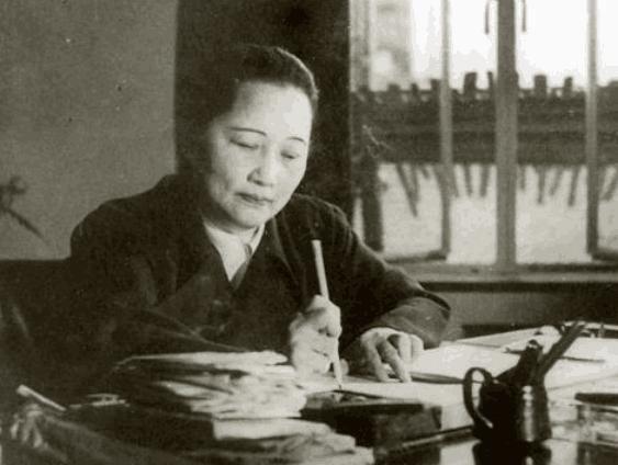 宋庆龄晚年写信很想见妹妹一面,宋美龄获悉后只是冷漠