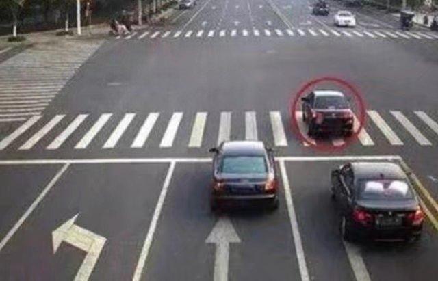 交警提醒:3,前轮压线,只要即使停下,不再继续往前走,这种情况是不扣分
