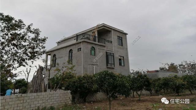 海南一农村盖别墅被要不逼停,几年后一层平房要住酒店巴厘岛去别墅台风图片